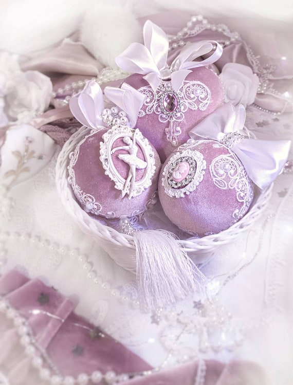 Velvet Christmas ornaments set of 2 handmade lace vintage pink white baubles, Christmas decoration 2020 Victorian gift