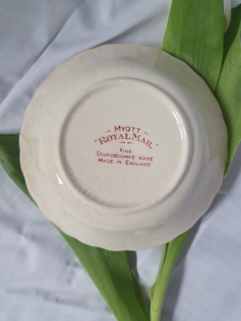 Vintage red bowl with scalloped border by Myott Royal Mail collection