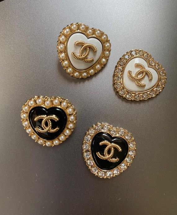 Chanel vintage buttons with pearl