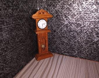 Dollhouse grandfather clock 1:16