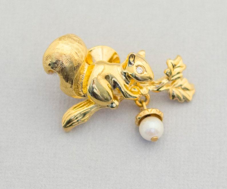 Squirrel Jewelry Vintage Pin Avon Pin Avon Jewelry Avon Brooch CH1 Squirrel Pin Cute Pin Squirrel Brooch Animal Pin Harvest Pin