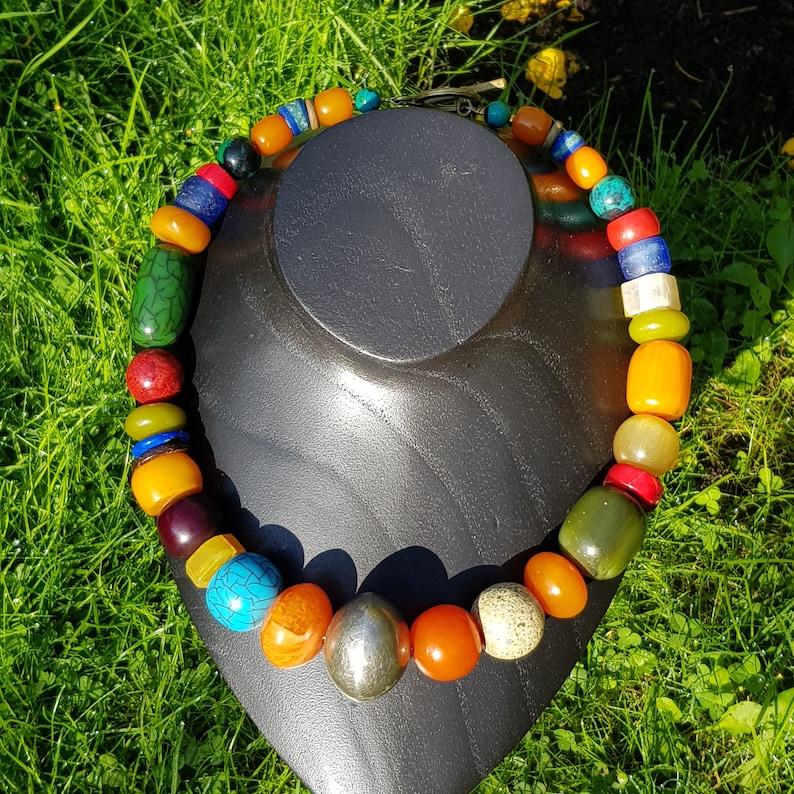 Koralle Achat alte handgeschmiedete Perle aus Mali alter Bakelit Halskette Farbenpracht Keramik