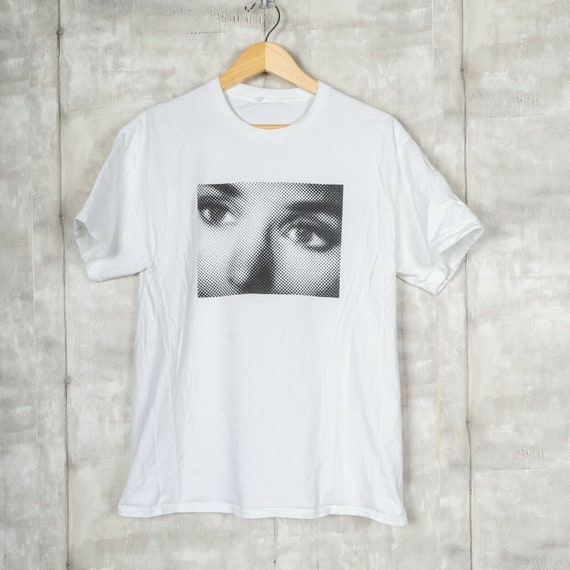 Noah Sinead O'Conner Eyes T-shirt Size Medium Whit