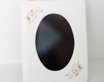 Vintage Ceramic Floral Picture Frame - Oval Photo - Pink Florals - Cottage Style