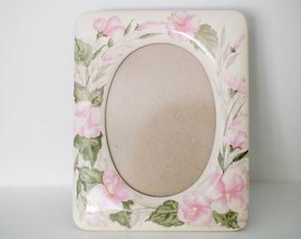 Vintage Ceramic Floral & Leaf Picture Frame - Oval Photo - Pink Florals - Cottage Style
