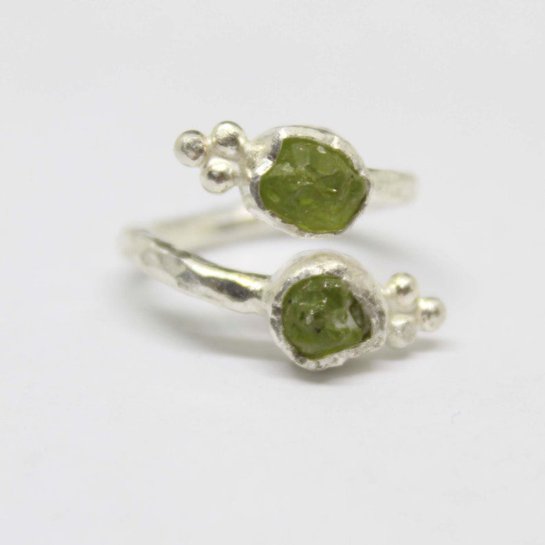 Men/'s Band Ring Women Band Offer Band Engagement Ring Gift For Her Handmade Natural Rough Peridot Ring Men/'s Personalized Ring