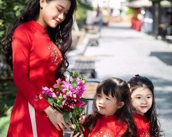 The matching vietnamese ao dai for Mom and daughter, Ao dai Mom and Girls, Ao dai Me va Be Gai, Vietnamse ao dai for girls, ao dai Viet nam