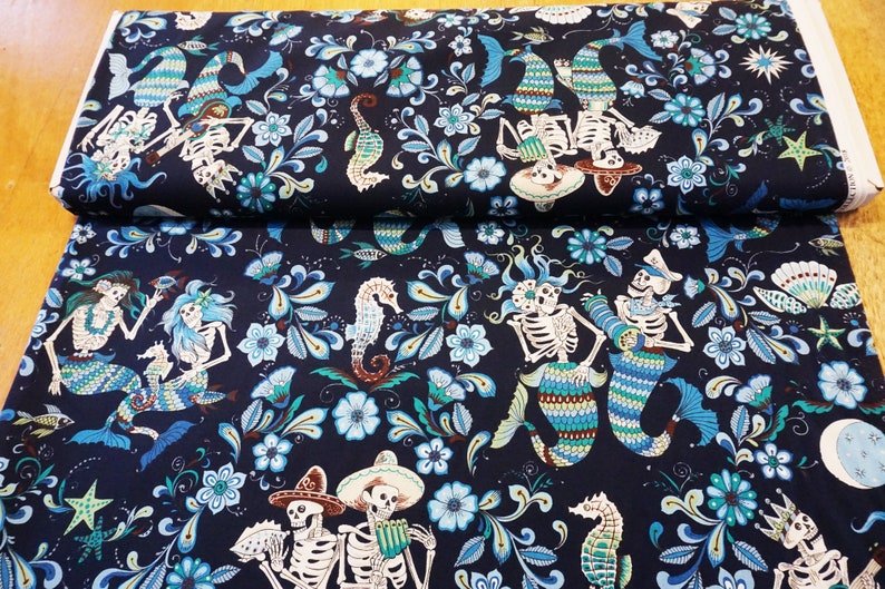 Alexander Henry Fabrics Esqueletos del Mar