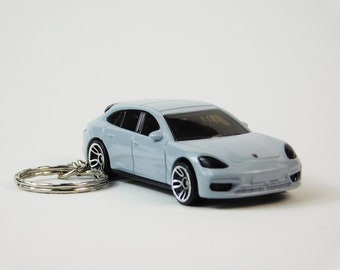 3D Porsche Panamera S E-Hybrid Sport Turismo custom keychain by Brian Thornton keyring key chain finished in white color trim diecast metal