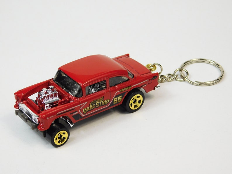 Keychain WORLDWIDE shipping with tracking number gift .. SHIPPING on THE SAME day .. Hot Wheels Chevy Bel Air Gasser 1955 ..