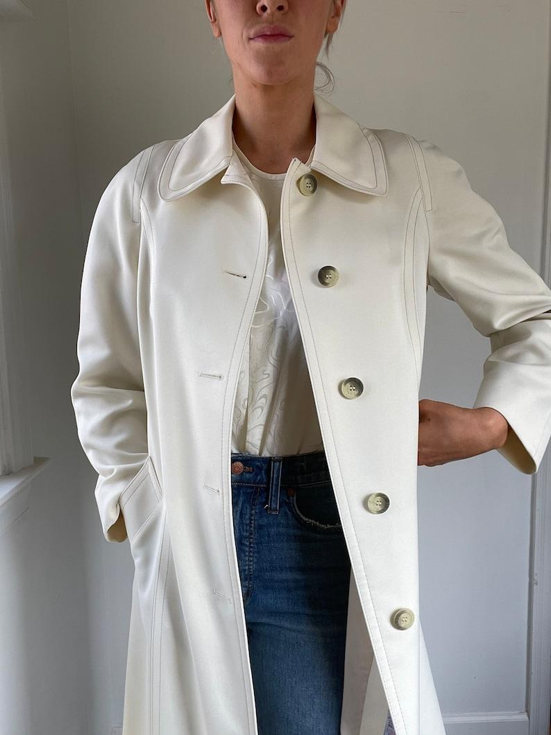 1960s1970s Vintage London Fog White Coat
