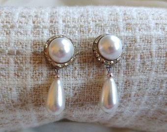ON SALE Sweetheart Earrings Vintage Two Heart Dangle Earrings 1980 Mother Of Pearl Earrings French Hook Earrings