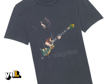 Eric Clapton tshirt. 60s image of the guitar legend playing his 64 Gibson 'psychedelic' SG 'The Fool'. Gift for musicians and music lovers.