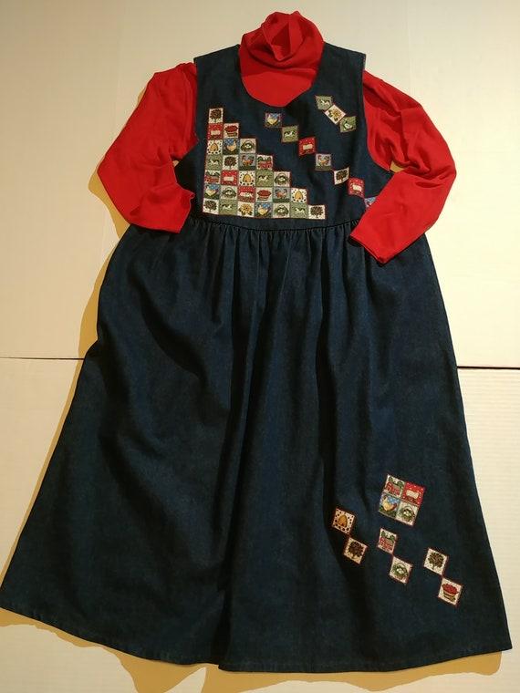 Country-Themed Denim Maternity Dress
