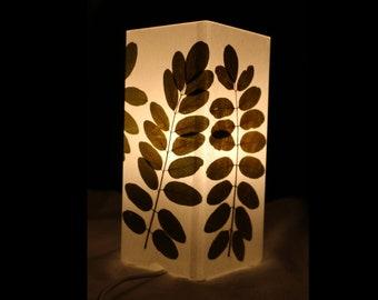 Lampe mit gepressten Blättern, Lamp with pressed leaves