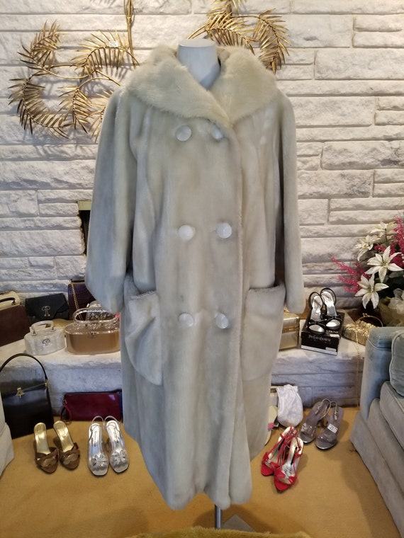 Wonderfully soft and cozy swing faux fur coat with