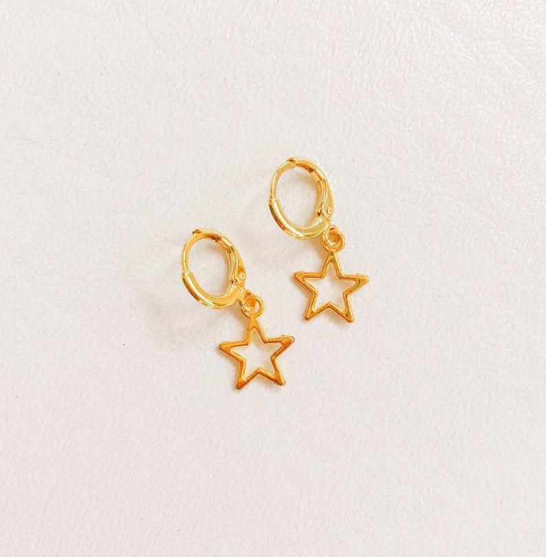 gold open-star huggie
