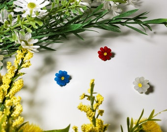 Daisy Stud Earrings | Flower Studs | Spring Earrings | Acrylic Earrings | Dainty Feminine Accent Earrings