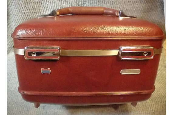 Vintage Luggage Case/ American Tourist/  Burgundy Red Hard Train Case/ Vintage Makeup Case/Carrier