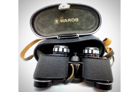 Vintage Wards Binoculars with Case and Strap/ Made in Japan/ Vintage Binoculars