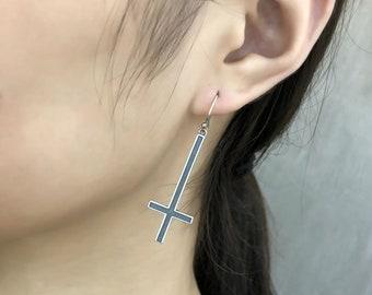 plain model Inverted cross earring