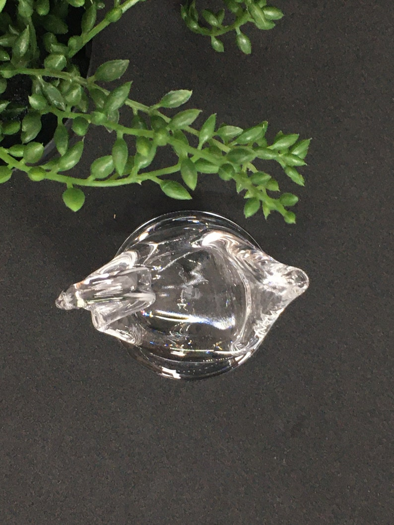Clear glass ring swan