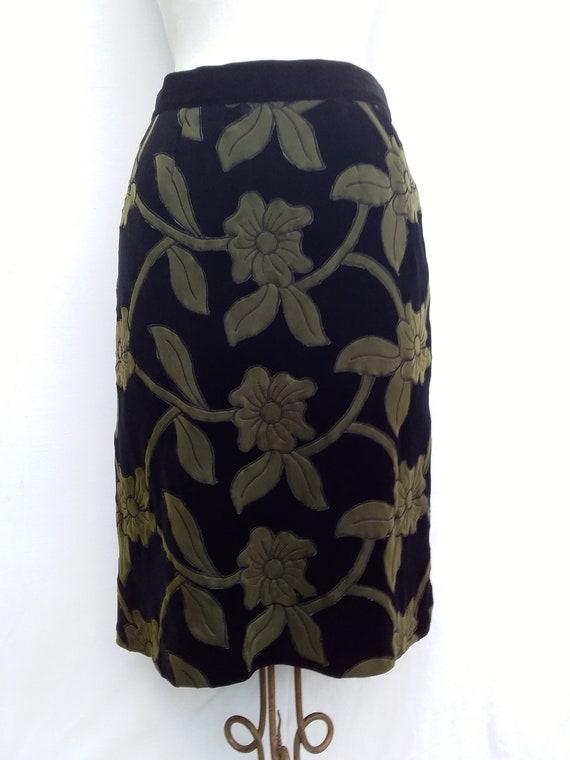 black embossed velvet skirt green flowers Italy 80