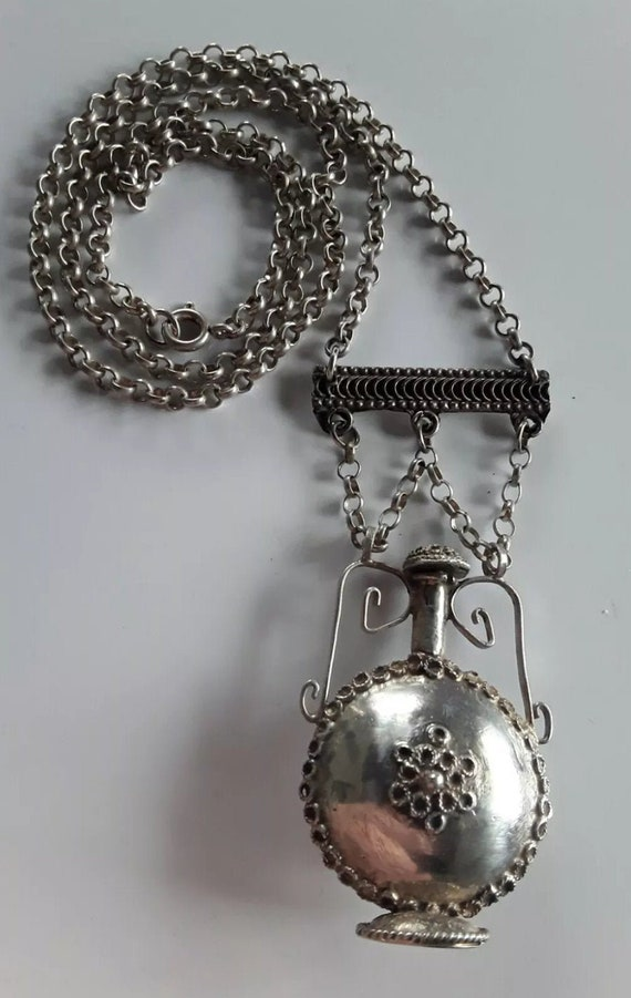 Beautiful 1930s Silver Perfume Bottle/Chatelaine N