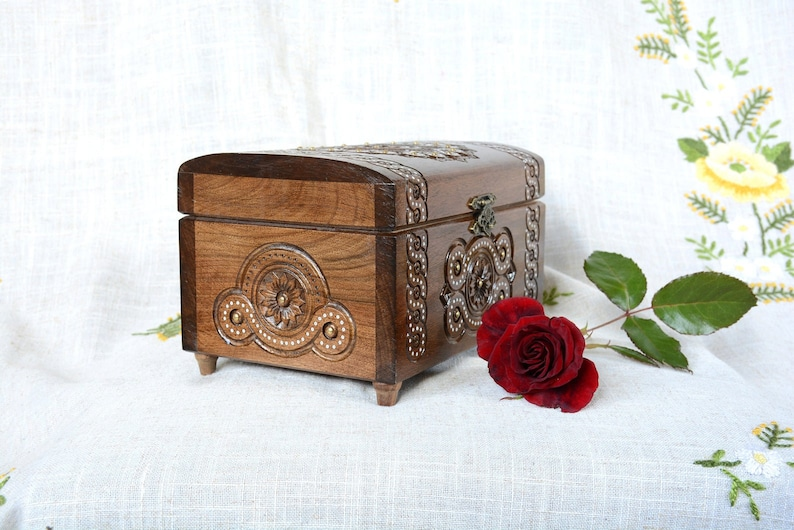 personalized family gift carving tarot ring organize box large jewellery box Personalized jewelry box wood wooden wedding ring box