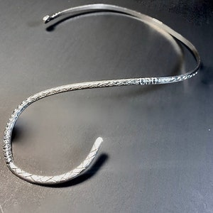 Silver Curved Wire Necklace with SunriseSunset Stamped Design