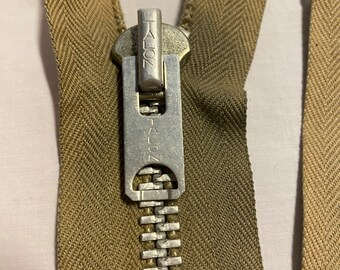 Unique Coats Clark Talon Variety Zippers Metal /& Nylon Vintage New Old Stock Packs Zippers Serval