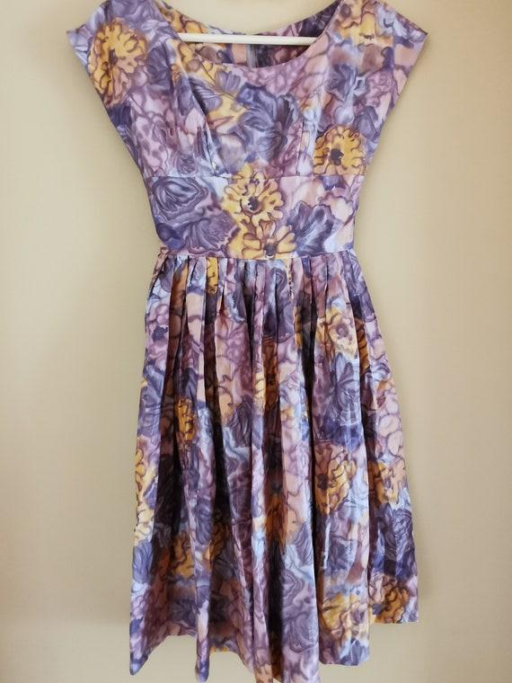 Vintage 1950s floral cotton/silk blend dress fall… - image 1