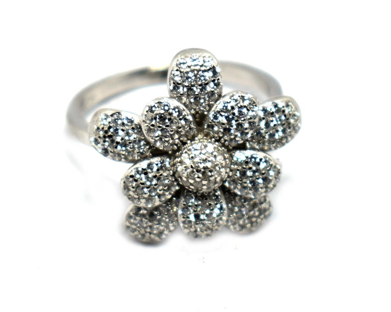 Cubic Zirconia Flower Design Best Gift For Wife. 925 Sterling Silver Jewelry Ring Gemstone Silver Ring