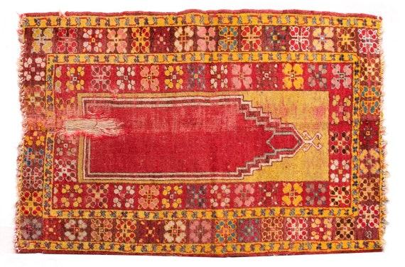2'8''x4'1''Yellow-Red Color Old  Vintage Turkish Wool Rug,Anatolian Handmade Area Rug,Home Decor,Decorative Rug,Old Fragman Rug,Nomadic Rug