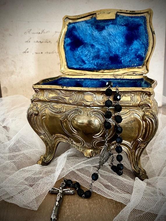 Amazing antique jewelry box/ beautifully decorated