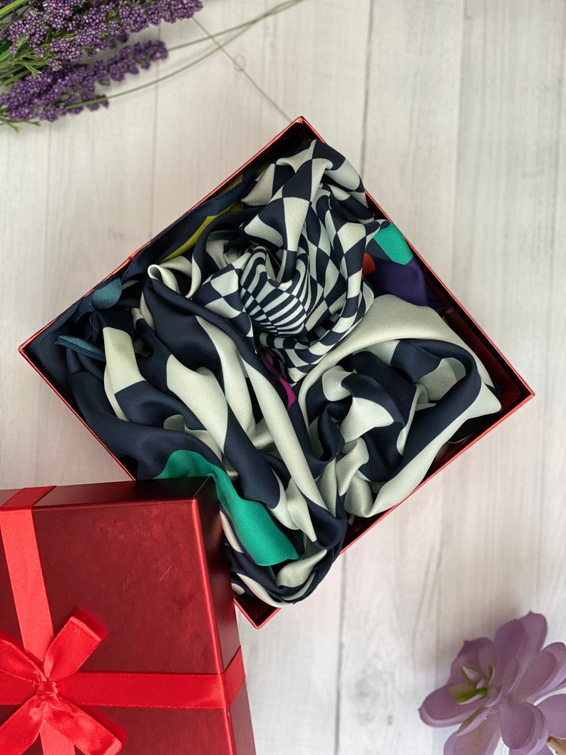 Scarf in Gift Box