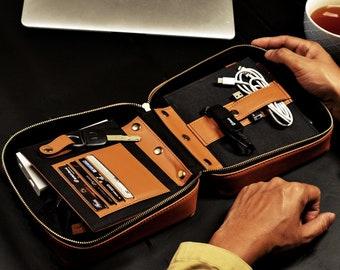 Voyager - Handmade Vegan Travel Organizer / Tech Kit