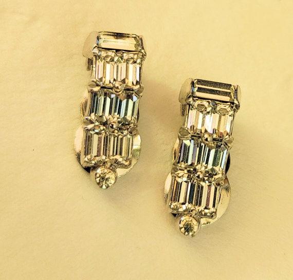 elegant earscrews screw earrings earrings gold plated metal original 1940s earrings 1940s Art Nouveau classy design