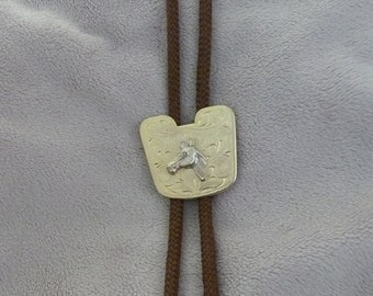 Horse Lover Gold Equestrian Vintage Horse Saddle Bolo Tie Country Western