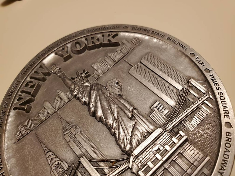 Vintage Solid Pewter New York City and Famous  Spots  Plate or Wall Hanging 4.5 Inches Diameter.Excellent Item Free Shipping