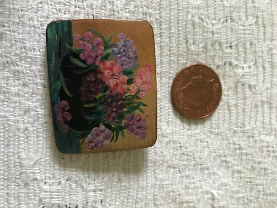 1940s wooden hand painted brooch