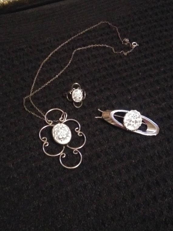 Vintage 1930s jewelry set