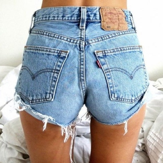 Levi's  High Rise Mom Cut Off Denim Jean Shorts 30