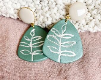 Summer Green/Leaf Design/Line Art/Minimal/Hand Painted/Polymer Clay Earrings/Botanical Earrings/Enamel Studs/Leaf Earrings/Plant Earrings