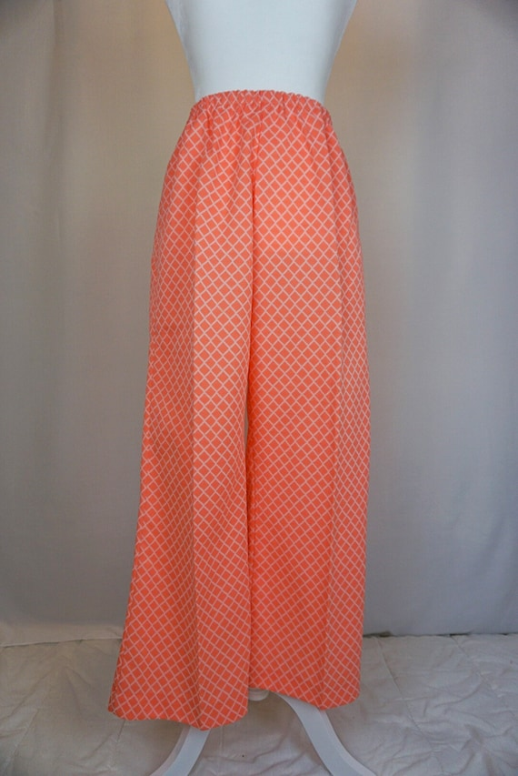 1970s Pink Bell Bottoms - image 3
