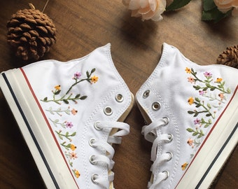 Converse Custom Floral Embroidery / Converse Custom Name / Gift For Girls / Gift For Best Friend