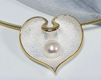 Pendant bicolor satin matte, pearl heart blossom, 925 sterling silver, 14K partially gold plated, mariposa design