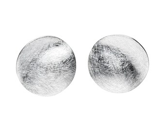 Round plate stud earrings brushed 925 sterling silver Mariposa design