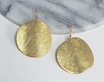 Round discs earrings, 925 sterling silver with 14K gold plated, platelets, brushed, Mariposa design