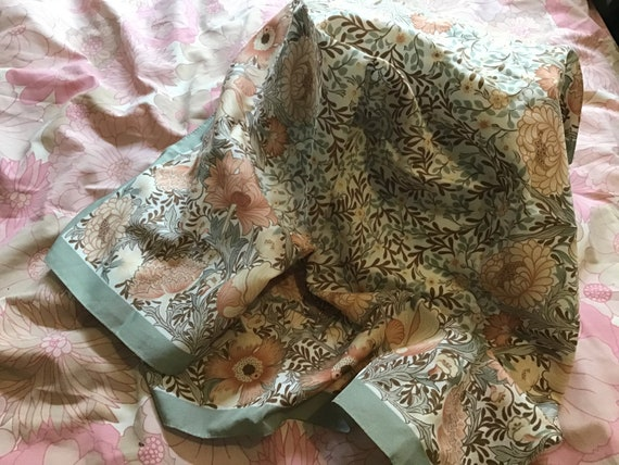 Retro Liberty/William Morris style patterned scarf